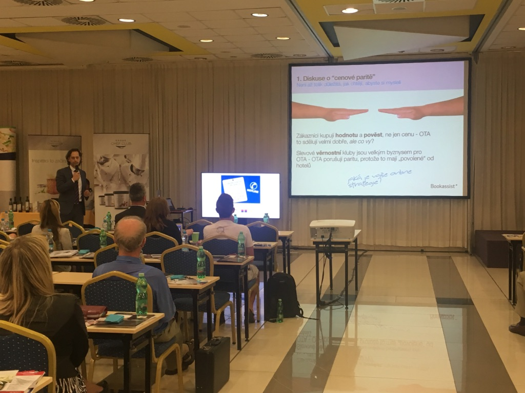 Jaromir presenting at AHR